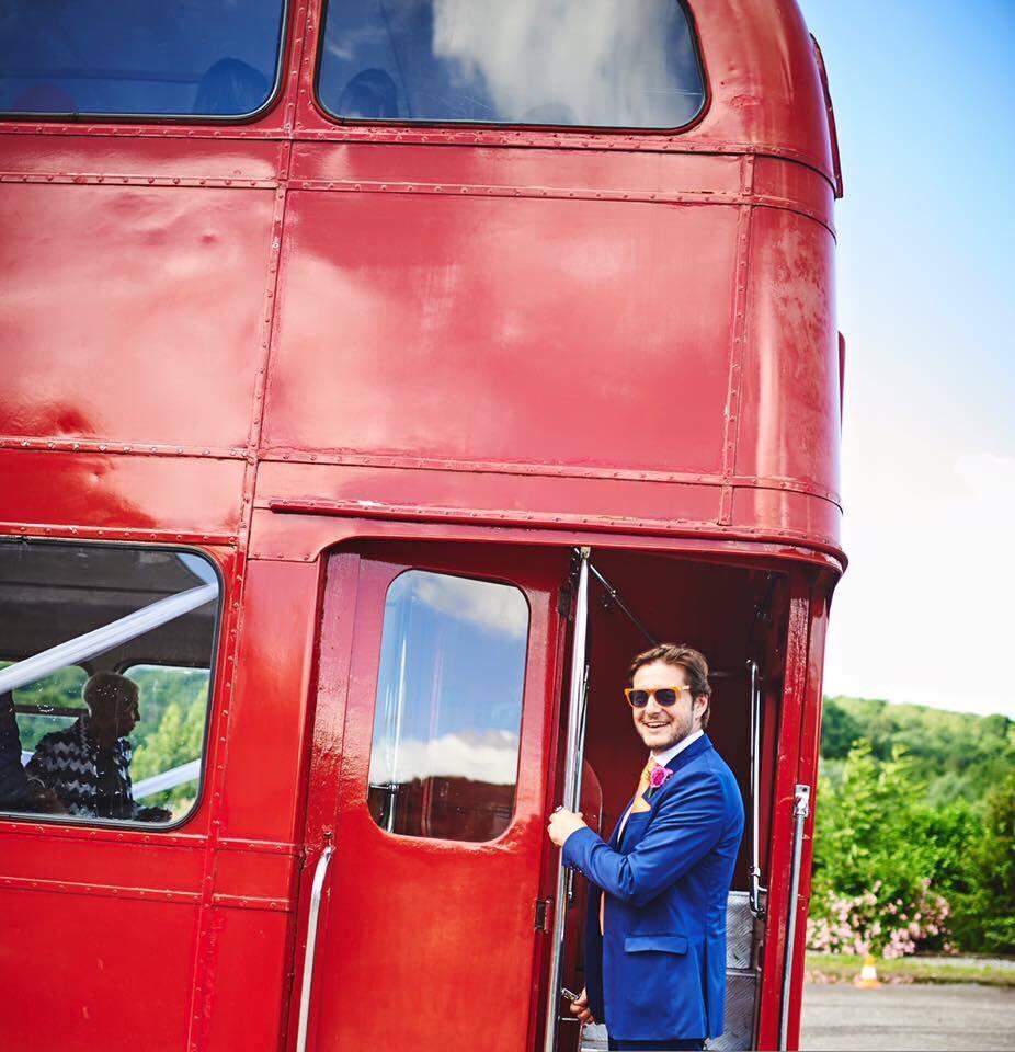 voiture de mariage location de voiture de mariage bus anglais routemaster 1966 rouge. Black Bedroom Furniture Sets. Home Design Ideas