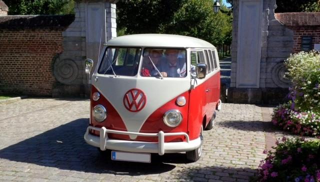 voiture de mariage location de voiture de mariage combi vw t1 rouge et blanc 1965. Black Bedroom Furniture Sets. Home Design Ideas