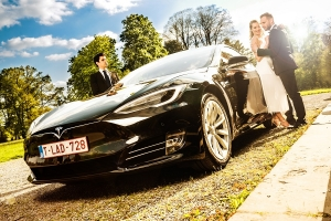 ELECTRIC TESLA S EXECUTIVE LIMOUSINE VIP