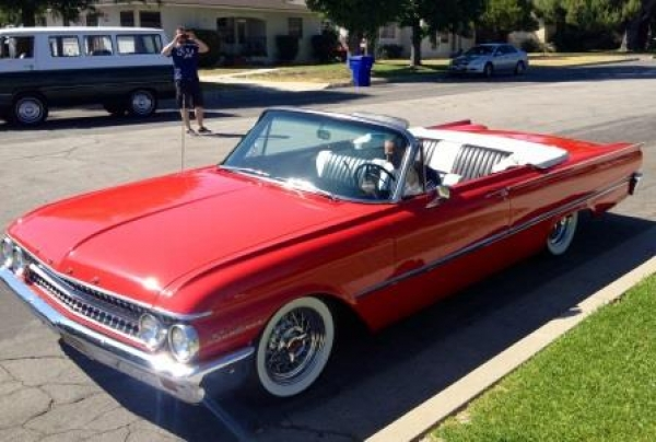 Ford Galaxie Sunliner 1961