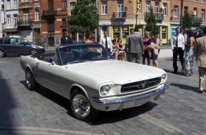 FORD MUSTANG 1965 Cabrio blanche